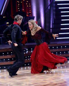 Jennie Garth & Derek Hough (DWTS 5) Paso Doble