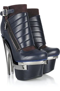 VERSACE                                                                                                                              Metal-Heeled Leather Ankle Boots                                                                                                                              ᖽ•Ꮰ੬ℕട❜̋ᗷѳꂷɬίǪṳ̈ℯ•ᖾ