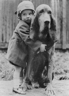 Черно-белые фото детей с животными | Фото в монохроме