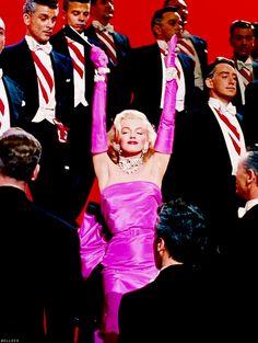 Marilyn Monroe Stil, Fotos Marilyn Monroe, Estilo Marilyn Monroe, Old Hollywood Glamour, Classic Hollywood, Des Femmes D Gitanes, Foto Top, Cinema Tv, Gentlemen Prefer Blondes
