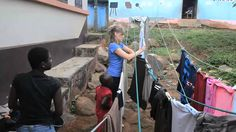 Unsere Freiwillige Teresa berichtet von ihren Eindrücken aus unserem Sozialarbeits-Projekt in Ghana. Ihr seht interessante Bilder von ihrer Gastfamilie und Arbeit und erhaltet erste Eindrücke aus dem Land! Infos gibt es unter: http://www.projects-abroad.de/ziellander/ghana/sozialarbeit-in-ghana/