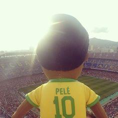 Mini-Pelé au sommet du Camp Nou, Barcelone. #Poupluche #POTD #Pouplucheoftheday #FCBarcelona #Barça #Pelé #KingPelé