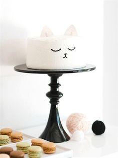 Easy, cute, and quick kitty cat birthday cake design idea. Cute Cakes, Pretty Cakes, Beautiful Cakes, Amazing Cakes, Birthday Cake For Cat, Birthday Parties, Simple Birthday Cakes, Birthday Kitty, Birthday Ideas