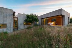 peter rose constructs martha's vineyard property as movable concrete blocks