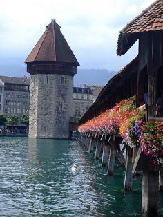 Kapellbrucke timber bridge in Lucerne, Switzerland (by iwantchai)