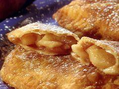 Apple Fried Pies Recipe : Paula Deen : Paula's Home Cooking Fried Apple Pies, Fried Pies, Apple Desserts, Apple Recipes, Dessert Recipes, Dessert Ideas, Fruit Dessert, Drink Recipes, Bread Recipes