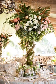 Get ready to be swept away by this glamorous outdoor California wedding at the Hummingbird Nest Ranch with a color palette of mint, taupe, creme and white.