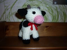Ravelry: Virkad ko/crochet cow pattern by Sofie Olsson Crochet Cow, Crochet For Kids, Crochet Animals, Free Crochet, Cow Pattern, Free Pattern, Amigurumi Patterns, Crochet Patterns, Creative Knitting