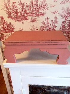 Stool Painted with Annie Sloan's Scandinavian Pink