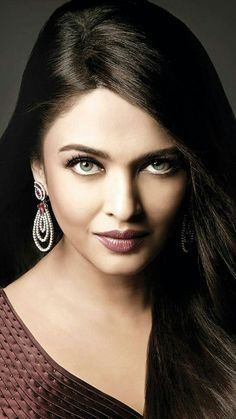 Aishwarya Rai Makeup, Aishwarya Rai Photo, Aishwarya Rai Bachchan, Bollywood Celebrities, Bollywood Actress, Desi Wear, Beauty Queens, Indian Actresses, Pretty Woman