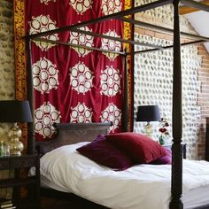 boho room | I love all the deep reds and purples