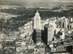 1950 - Vista aérea do centro da cidade.