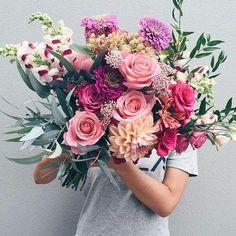 "492 Me gusta, 3 comentarios - Revista Vanidades USA (@vanidadesusa) en Instagram: ""¡Flores para el corazón! #VanidadesUSA #lifestyle #likeforlike #followforfollow #flowers #style…"""