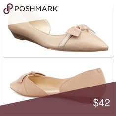 """Nine West bow flats 5.5 Brand new. Pointed toe with bow sitting a top. Padded insole for comfort all day. 3/4"""" wedge. Leather upper and man made lining.  Nine West Shoes Flats & Loafers"""