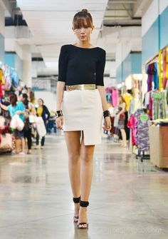 42 Simple Outfits To Inspire Your Own Sleek Look Top Mode, Estilo Blogger, Oufits Casual, Vogue, Monochrom, Office Fashion, High Fashion, Sleek Look, Simple Outfits