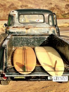 Surfing holidays is a surfing vlog with instructional surf videos, fails and big waves Vintage Surf, Vintage Trucks, Retro Surf, Beach Boys, Stand Up Paddle, Ex Machina, Longboarding, Surf Style, Us Cars