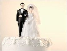 Brides and grooms spent more on their big wedding day last year than they have since the economic downturn first began.
