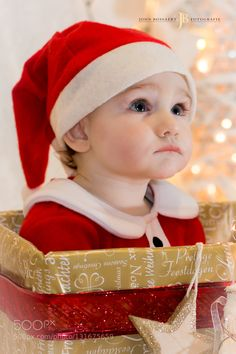 Lovely family photos of the day Little Santa by johnbossaert. Share your moments with #nancyavon here www.bit.ly/jomfacial