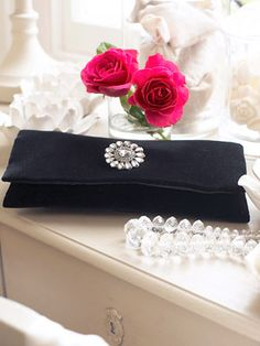 Hand sewing type but very basic idea - worth looking at --- velvet clutch bag to sew