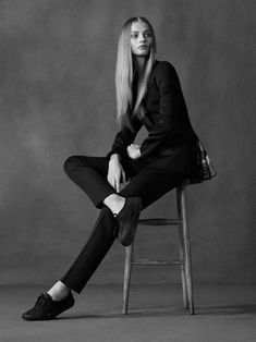 fashion editorials, shows, campaigns & more!: anna selezneva by ben weller for twin spring/summer 2014 Body Photography, Girl Photography Poses, Fashion Photography, Anna Selezneva, Model Posing, Style Photoshoot, Photoshoot Ideas, Preppy Look, Grey Fashion