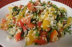 Orange and Broken Wheat Salad: Delicious, healthy, nutritious salad of broken wheat tossed with onions, tomatoes and orange segments. Prego Recipe, Snack Recipes, Healthy Recipes, Snacks, Healthy Food List, Healthy Foods, Food For Pregnant Women, How To Make Orange, Food Tags