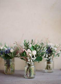Un mariage champetre chic et pastel en Provence à découvrir sur le blog mariage wwww.lamarieeauxpiedsnus.com - Photos : Greg Finck - Organisation Les Cocottes | la mariee aux pieds nus