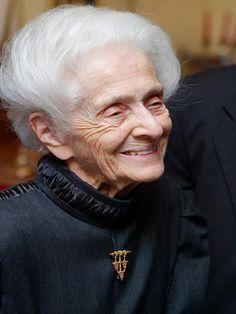 Rita Levi-Montalcini Neurobióloga italiana, premio Nobel de Fisiología y Medicina en 1986.
