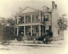 Berthold Mansion Minute Men Headquarters, Courtesy of the Missouri History Museum Old Photos, Vintage Photos, Victorian Photos, Daughter Of The Regiment, Greek Revival Architecture, History Museum, American Civil War, Historical Society, Haunted Mansion