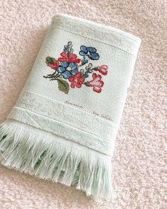 Günaydınnnn... . . . . . #etamin #çarpıişi  #kanavice #kanava Bargello, Cross Stitch Flowers, Embroidery Patterns, Towel, Instagram, Stitches, Face Towel, Bath Linens, Cross Stitch Embroidery
