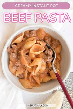 This delicious Creamy Instant Pot Beef Pasta takes only a couple minutes to put together! Made with shells to hold all the creamy sauce and ground beef.   instant pot pasta   instant pot recipe   pasta recipe   beef pasta Instant Pot Pasta Recipe, Recipe Pasta, Pot Recipe, Pasta Recipes, Beef Recipes, Healthy Breafast, Beefaroni Recipe, Beef Pasta, Frozen Vegetables