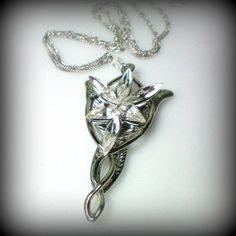 THIS IS SO COOL!  Arwen Aragon Evenstar Lord of the Rings Pendant by tudorshoppe