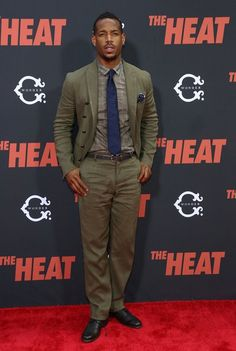 LOVE this suit (& Marlon Wayans wears it well)