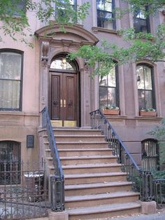 66 Perry St., New York, NY | Carrie Bradshaw's stoop