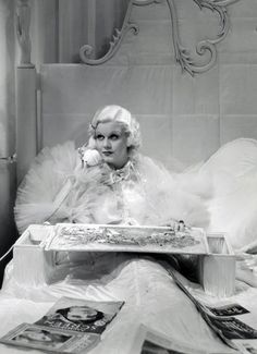 Jean Harlow , Dinner at Eight (1933)