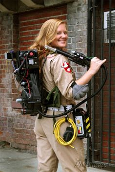 Karneval-II GhostbusterPM's Proton Pack - Proton Packs - Fan Props - Ghostbusters Fans Perhaps one o Cute Group Halloween Costumes, Halloween Costume Contest, Halloween 2017, Halloween Decorations, Halloween Party, Costume Ideas, Ghostbusters Proton Pack, The Real Ghostbusters, Ghostbusters Party Costume