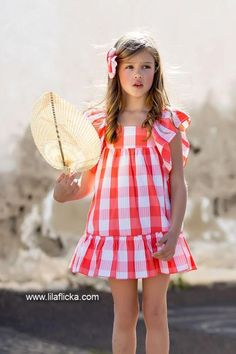 Girls Fashion Clothes, Little Girl Fashion, Kids Fashion, Fashion Outfits, Casual Frocks, Girls Dresses, Summer Dresses, Vintage Designs, Kids Outfits