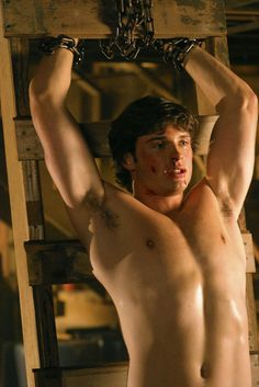 Hot Man, Hot Men, Sexy. Boy. Tom Welling. Smallville......WHAT A BEAUTIFUL ,GORGEOUS HUNK OF A MAN