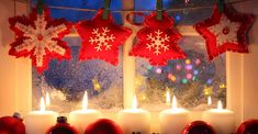 Cozy Christmas Home - Desktop Nexus Wallpapers Christmas Window Decorations, Backdrop Decorations, Christmas Candles, Cozy Christmas, Christmas Lights, Christmas Holidays, Christmas Ornaments, Ornaments Ideas, Christmas Dance