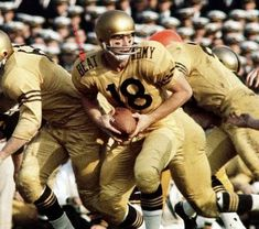 College Football Players, Navy Football, Vintage Football, College Fun, Sports Photos, Coaches, Helmets, Old School, Shots