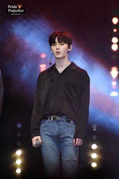 180121 Wanna One Fan-meeting in Jakarta Busan, Nu Est Minhyun, Guan Lin, Kim Jaehwan, Ha Sungwoon, Pledis Entertainment, Pride And Prejudice, My Prince, Mingyu