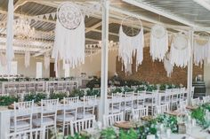 Manufacturing catches wedding dream - the boho chic trend that capsizes us . Manufacturing catches wedding dream - the boho chic trend that capsizes us - # - Romantic Wedding Flowers, Yellow Wedding Flowers, Cheap Wedding Flowers, Rustic Wedding Flowers, Flower Crown Wedding, Wedding Blue, Forest Wedding, Fall Wedding Centerpieces, Wedding Flower Arrangements