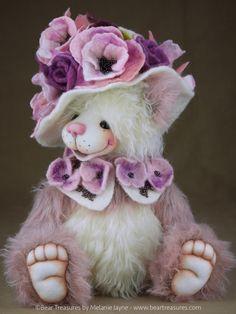 Nancy - Artist teddy bear from Bear Treasures by Melanie Jayne