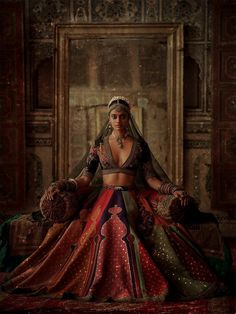 """""""Mumbai Stories"""": Photographer Tarun Khiwal Perfectly Captures Traditional Indian Bridal Fashion With Modern Aesthetic - MyStyles Indian Bridal Outfits, Indian Bridal Fashion, Indian Dresses, Indian Fashion Modern, India Fashion, Indian Aesthetic, Aesthetic Style, Aesthetic Black, Aesthetic Fashion"""