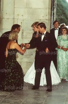1985-07-11 Diana and Charles are welcomed at Hampton Court Palace by Mr and Mrs Rupert Murdoch to attend a Gala Evening in celebration of The Times newspaper Bicentenary