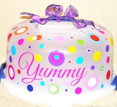 XLarge Polka Dot Customized Cake Carrier or Cake by LaDeDotty, $14.75 Vinyl Projects, Diy Projects To Try, Craft Projects, Silhouette Cameo Vinyl, Silhouette Cameo Projects, Christmas Crafts For Gifts, Craft Gifts, Cupcake Container, Cupcake Carrier