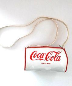 1980s Vintage Small Coca Cola Handbag / Coca Cola Purse por RVHills