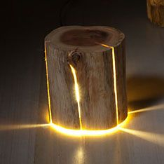 Rondin de bois lumineux. - Light wood log.