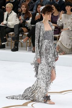 The Chanel Couture Looks We're Obsessing Over | The Zoe Report