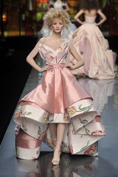 Christian Dior at Couture Spring 2009 - StyleBistro