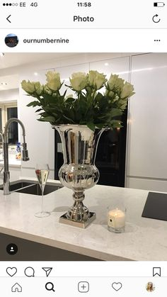 Home Renovation, Fresh Flowers, Happy Friday, Living Area, Home Accessories, My House, Glass Vase, Table Decorations, Interior